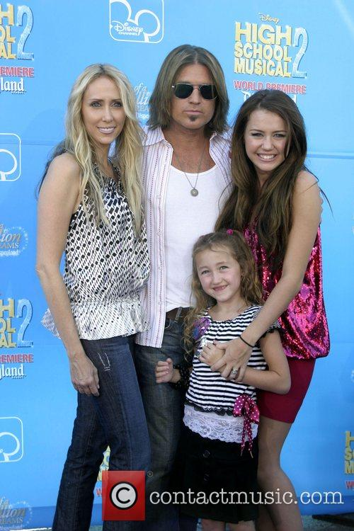 Billy Ray Cyrus,Miley Cyrus and family