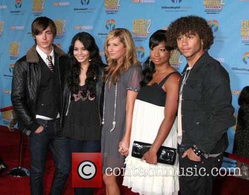 Zac Efron, Vanessa Hudgens, Ashley Tisdale, Monique Coleman...