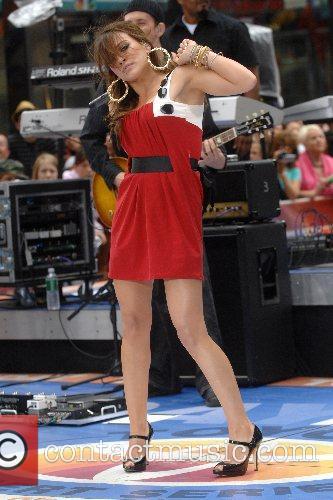 Hilary Duff 98