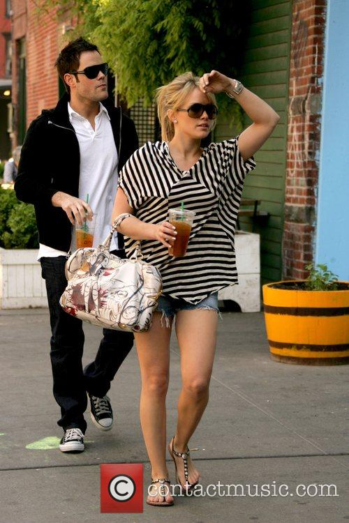 Hilary Duff and Her Boyfriend Mike Comrie 7
