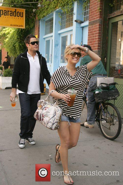 Hilary Duff and Her Boyfriend Mike Comrie 5