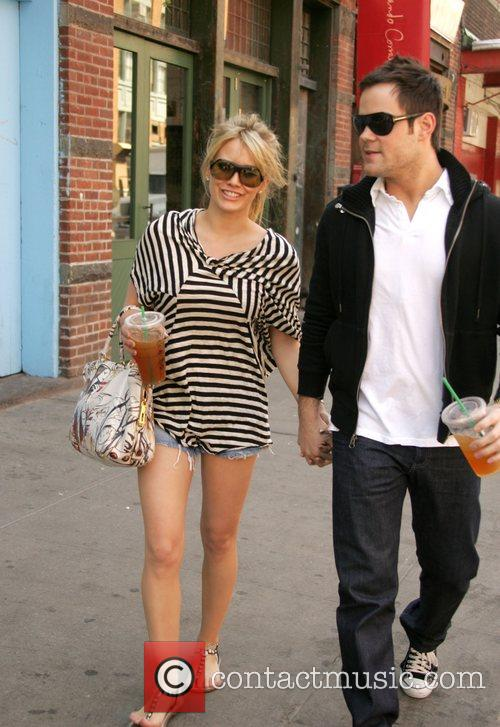 Hilary Duff and Her Boyfriend Mike Comrie 6