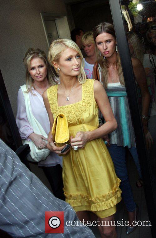 Kathy Hilton, Paris Hilton and Nicky Hilton Winner...
