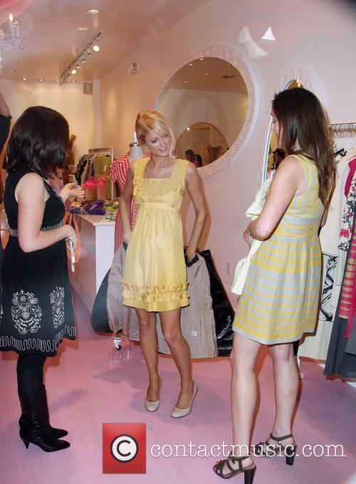 Paris Hilton shopping at Kitson Los Angeles, Calofornia