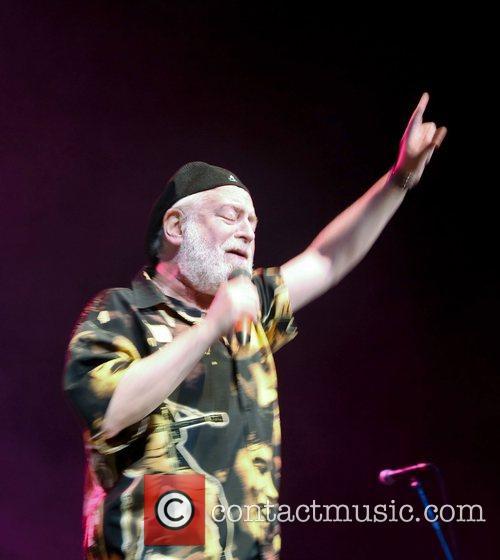 Howard Kaylan The Turtles performing live at Hippiefest...