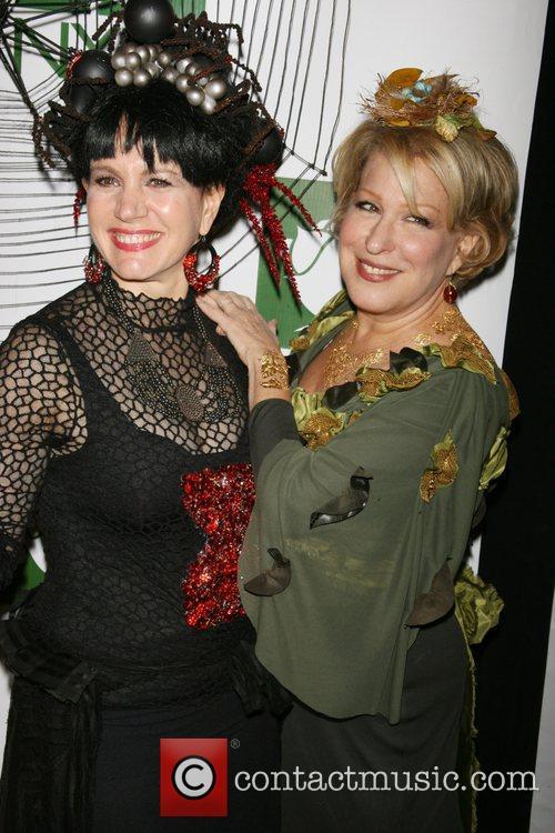 Susie Essman and Bette Midler 2