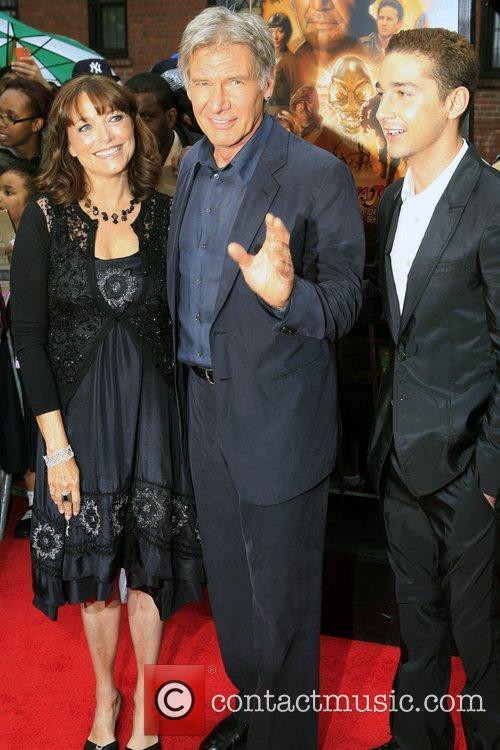 Karen Allen and Harrison Ford 4