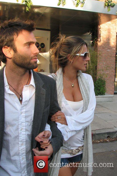 Pregnant Victoria's Secret Model Alessandra Ambrosio and boyfriend...