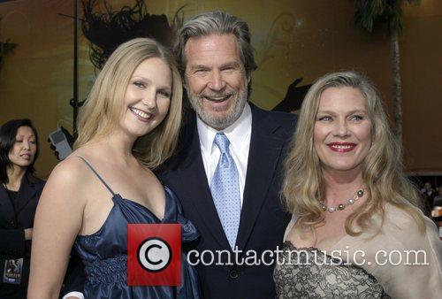 Jeff Bridges with his wife Susan Bridges (r)...