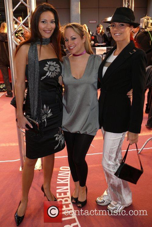 Nelly Marie Bojahr, Katie Pfleghar, Kerstin Merlin German...