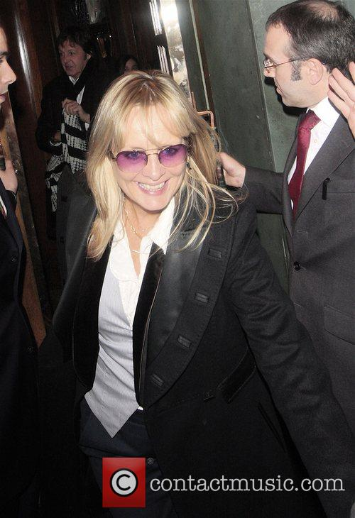 Twiggy (aka Lesley Hornby) outside the Ivy restaurant