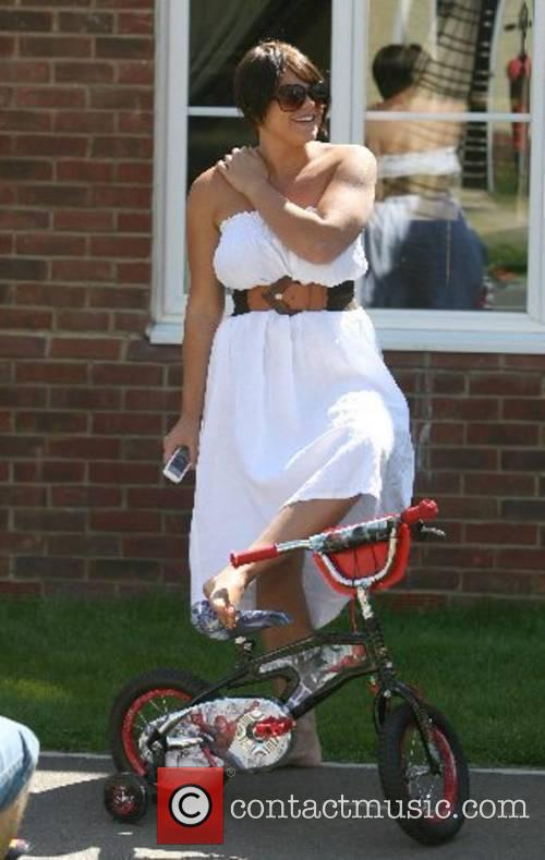 Jade Goody enjoys the sunny weather with her...