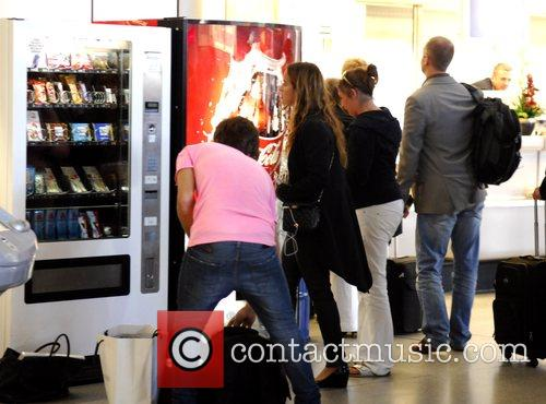 Jade Jagger in Tegel Airport getting some snacks...