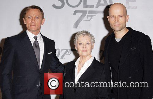 Daniel Craig and Judi Dench 3