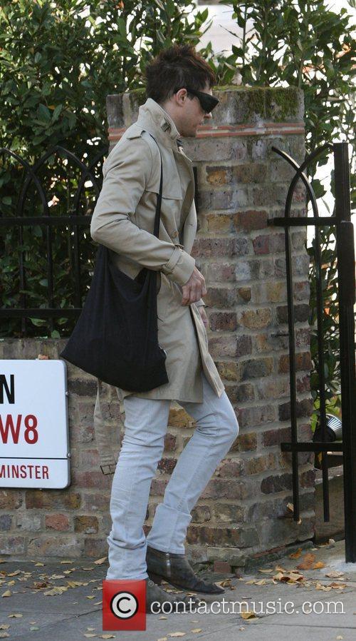 Jamie Hince arriving at Davinia Taylor's house. London,...