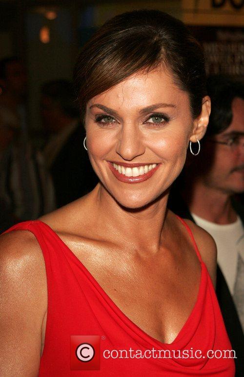 Amy Brenneman 1