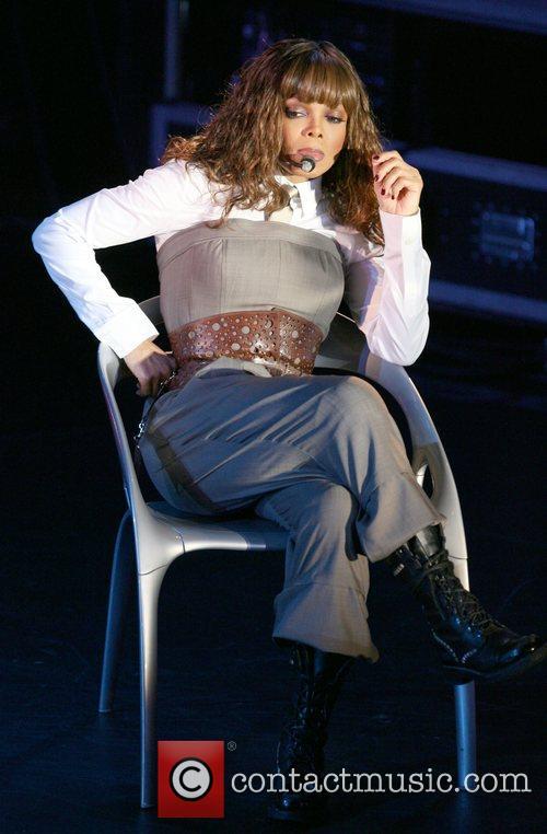 Janet Jackson 33