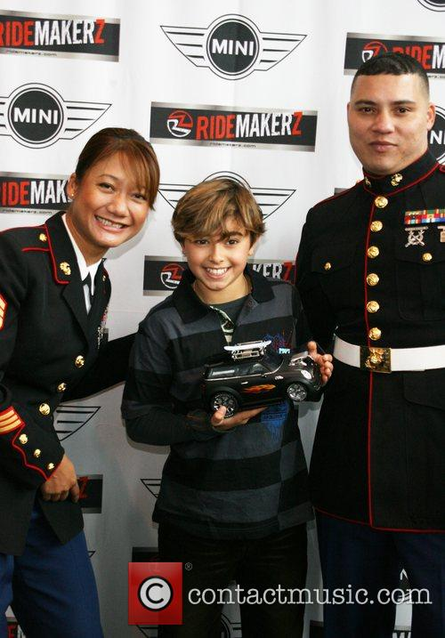 Jansen Panettiere and U.S Marines teams up with...