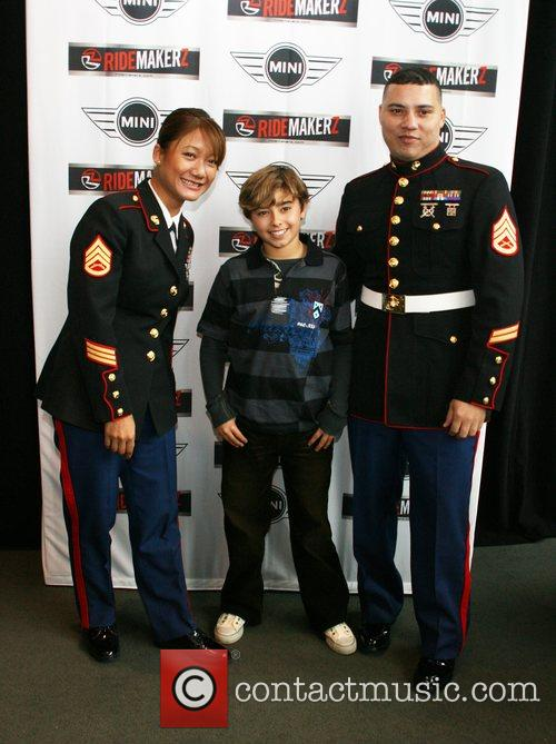 Jansen Panettiere and US Marines team up with...