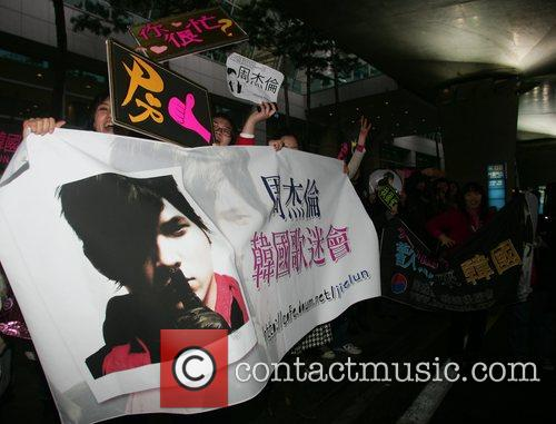 Fans Taiwanese singer/actor Jay Chou arrives at Incheon...