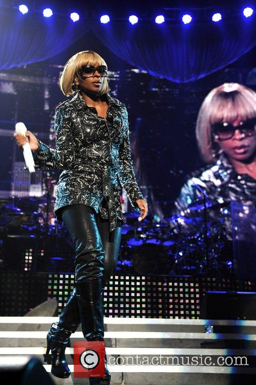 Mary J Blige and Jay-z 10