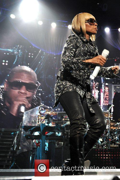 Perform live in concert at Madison Square Garden