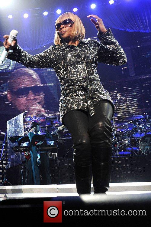 Mary J Blige and Jay-Z 16