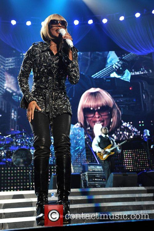 Mary J Blige and Jay-Z 17
