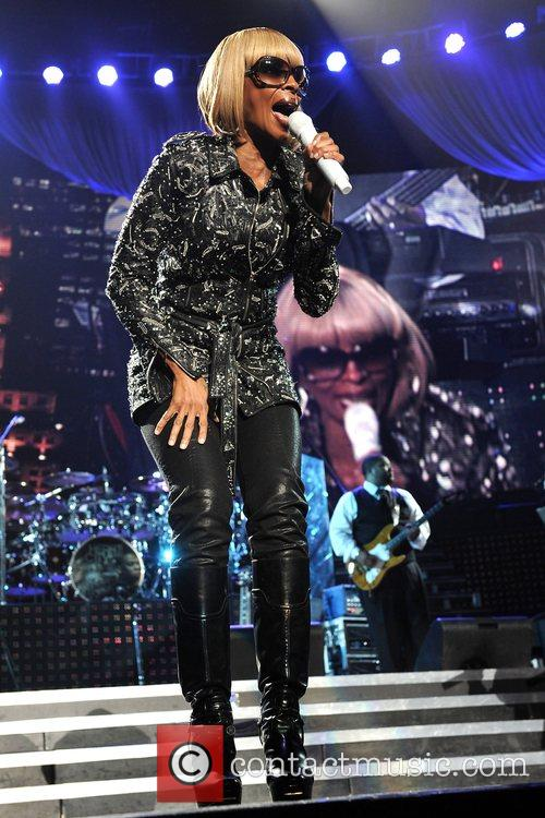 Mary J Blige and Jay-Z 13