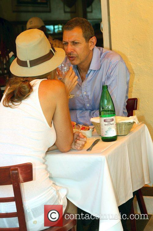 Jeff Goldblum and Shares A Bottle Of Italian Mineral Water 8