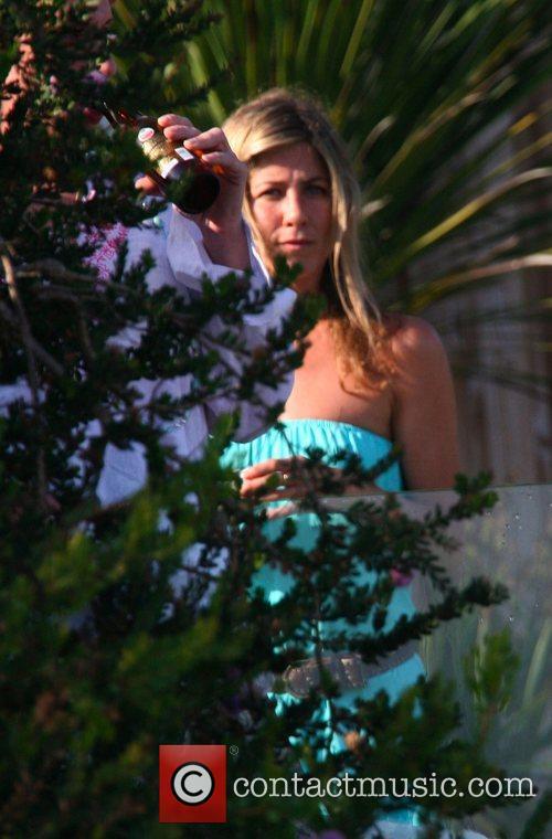 Jennifer Aniston 12