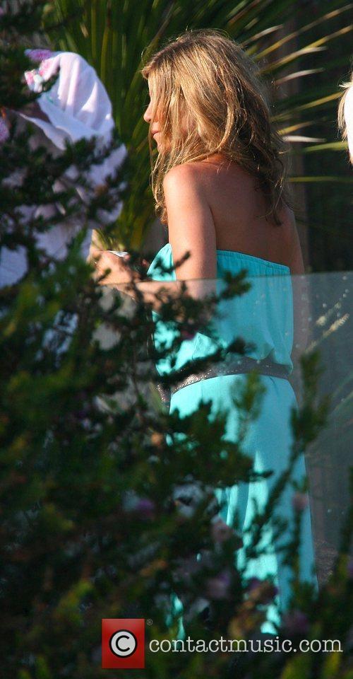 Jennifer Aniston 16