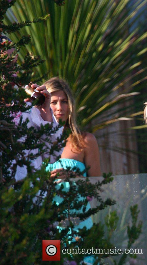 Jennifer Aniston 13