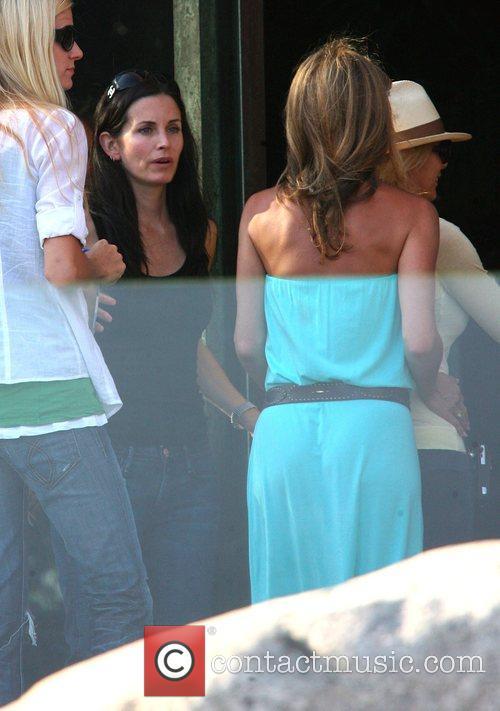 Jennifer Aniston 25