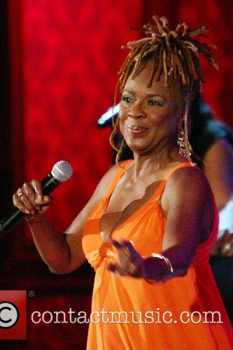 Thelma Houston singing The Jerry Lewis MDA Telethon...