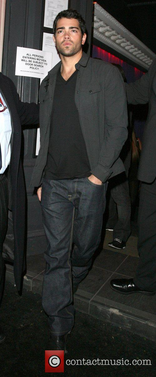 Jesse Metcalfe leaving Movida nightclub alone, at 2am....