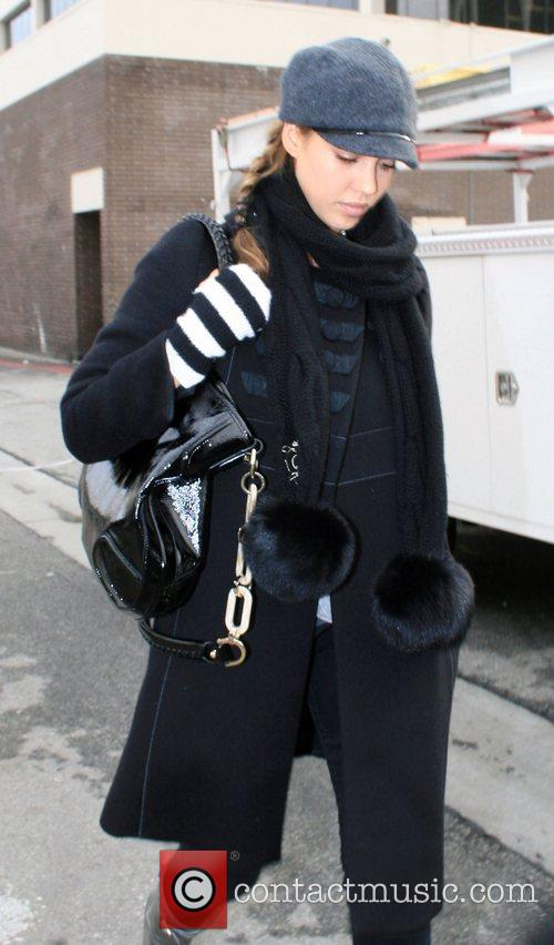 Jessica Alba leaving Christian Dior boutique in Beverly...