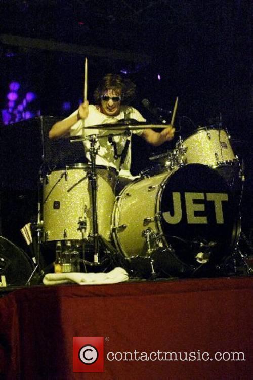 Jet 9