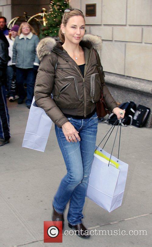 Jill Goodacre (Harry Connick Jr's wife) carrying Bergdorf...