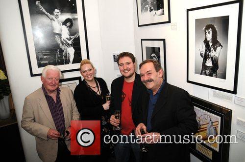 Alice Cooper, David Bowie, Ronnie Wood, Tina Turner and U2 12