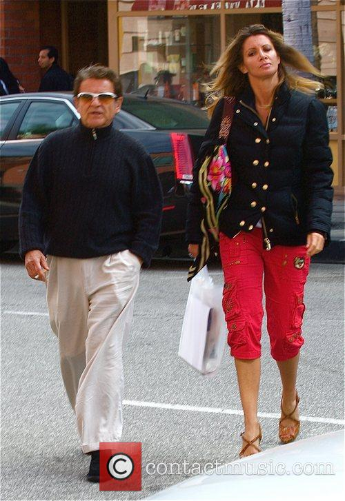 Joe Pesci, Angie Everhart
