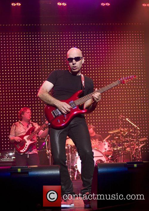 Joe Satriani 19