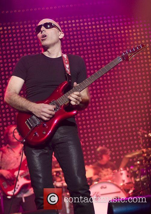 Joe Satriani 13
