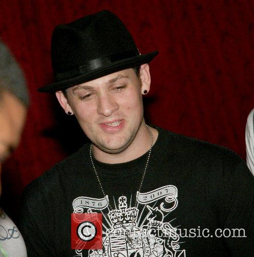 Good Charlotte and Joel Madden 8
