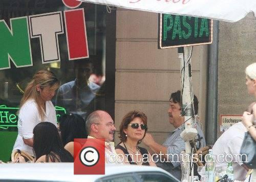 John Goodman having lunch at