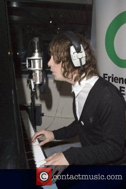 The lead singer of Razorlight records a new...