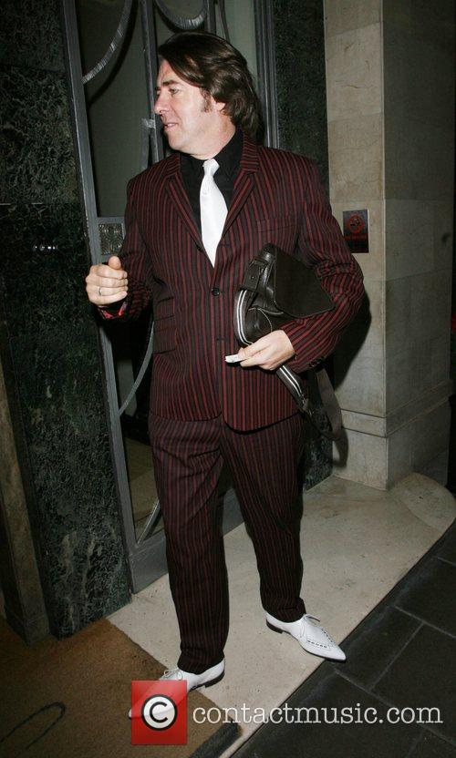 Jonathan Ross leaving his hotel