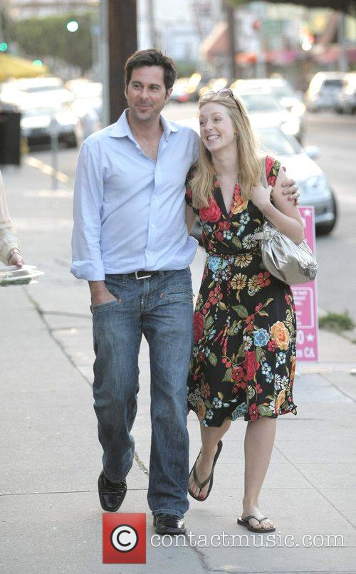 Jonathan Silverman, His Wife Have A Late Lunch With Friends At Joan's On Third. After Eating Together They Leave The Restaurant and Take A Romantic Stroll Back To Their Car. 5