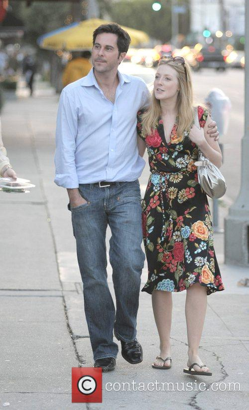 Jonathan Silverman, His Wife Have A Late Lunch With Friends At Joan's On Third. After Eating Together They Leave The Restaurant and Take A Romantic Stroll Back To Their Car. 3
