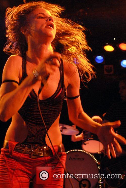 Juliette Lewis and Juliette And The Licks 23